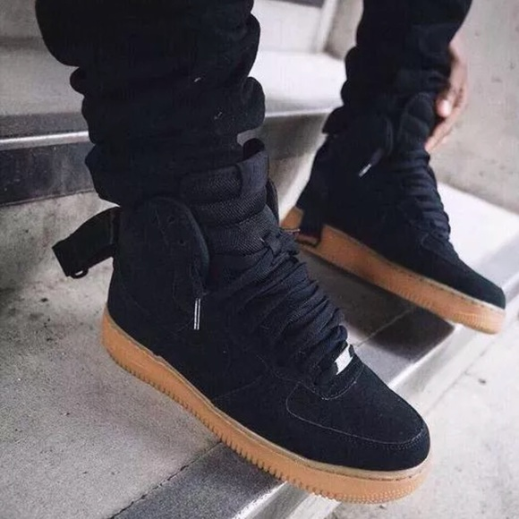 cheap for discount ce8d5 89ce4 Nike Air Force 1 High Suede Gum Bottom AF1